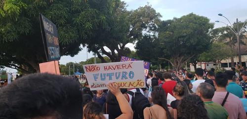 Cortes na Educação e as manifestações 15M